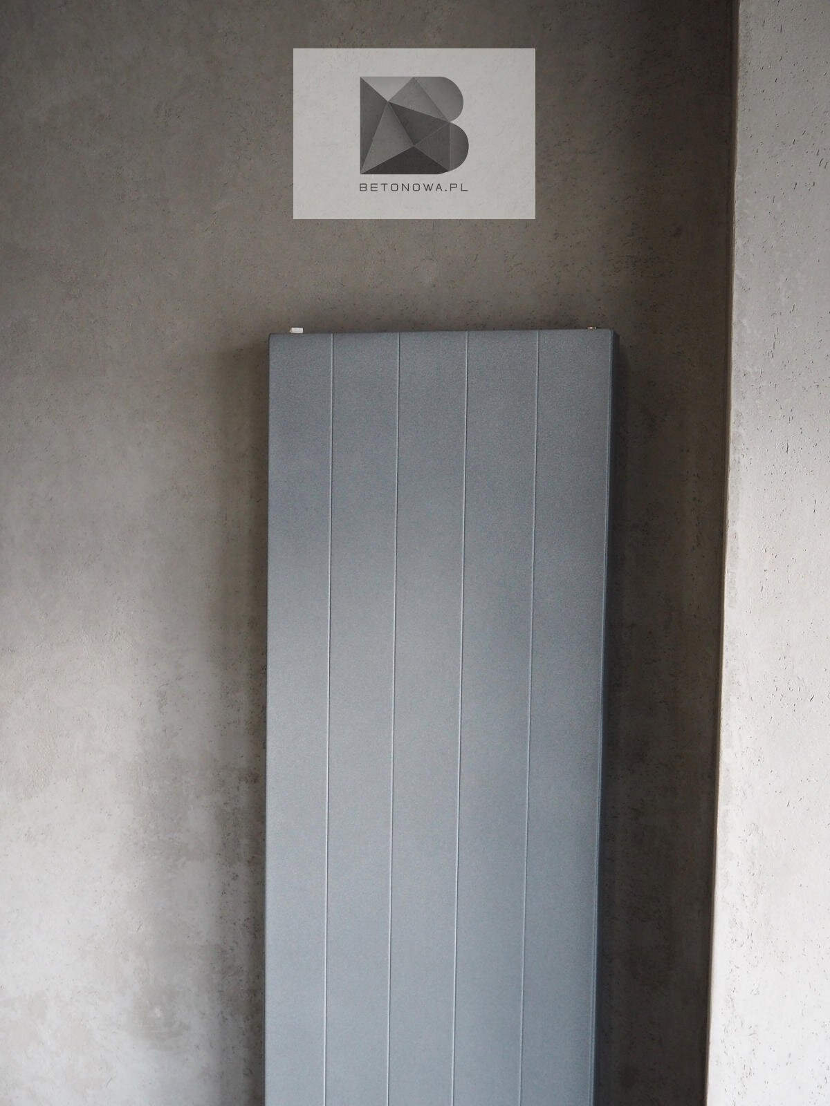Dekoracyjna Sciana Betonowa Szary Grzejnik Dekoracyjny1